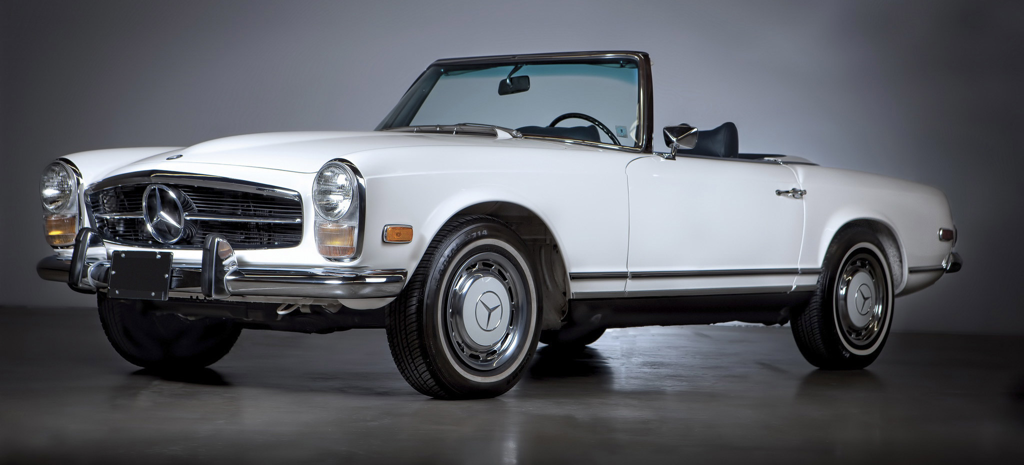 Mercedes_Benz-1
